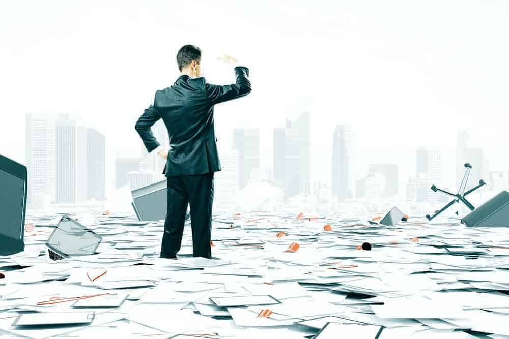 SEAL Systems makes SAP systems fit for paperless production. [shutterstock: 339520541, Who is Danny]