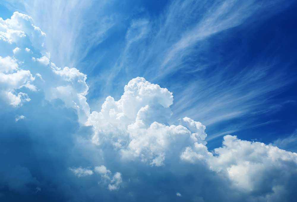 For many medium-sized companies. With Cloud ERP, the sky is the limit. [shutterstock: 521010781, Triff]