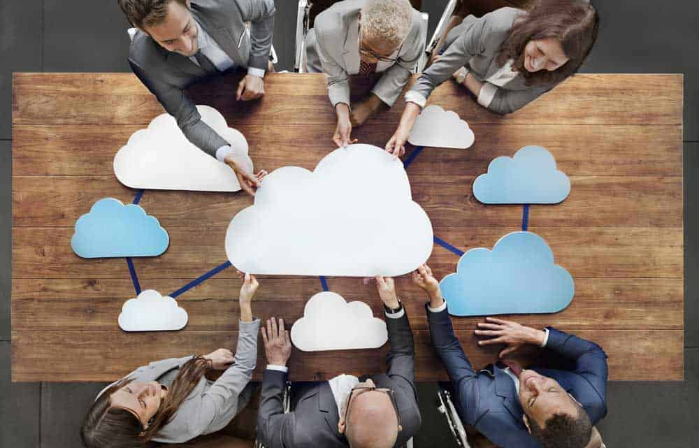 While not every business function can operate in the cloud, there are clear benefits from cloud migration - particularly for small businesses. [shutterstock: 370754954, Rawpixel.com]
