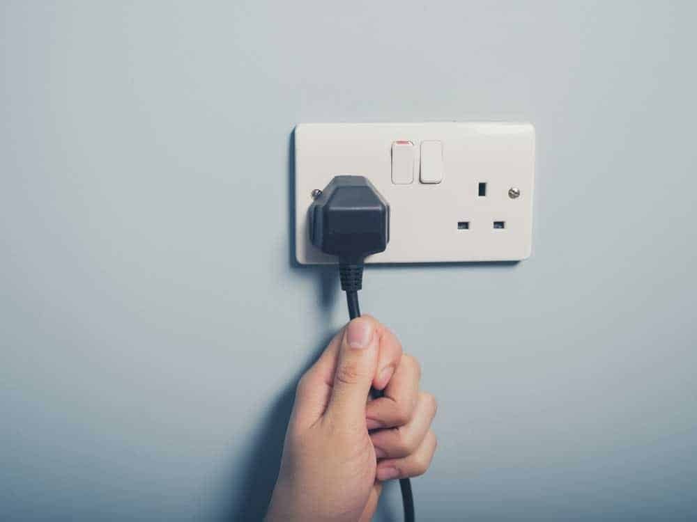 Pulling the plug on old SAP systems is a great way of permanently reducing the burden of operating costs on the IT budgets of SAP customers. [shutterstock: 264387446, Lolostock]