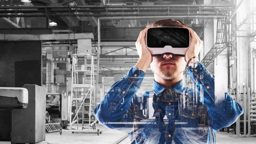 The future of CPQ software is in leveraging technologies like VR to drive sales and business success. [shutterstock: 421334317, Halfpoint]