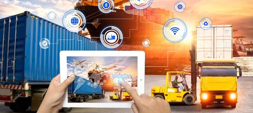 Logistics out of the cloud have the potential to digitally transform supply chains and companies. [shutterstock: 539045296, Travel mania]