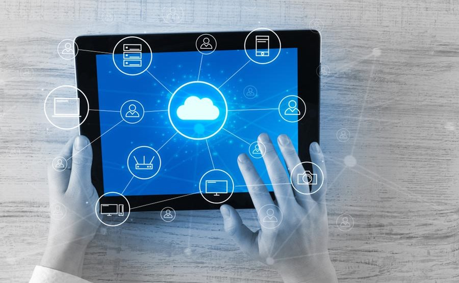 Data management across on-premise systems and public clouds? It is possible. [shutterstock: 1119179282, ra2studio]