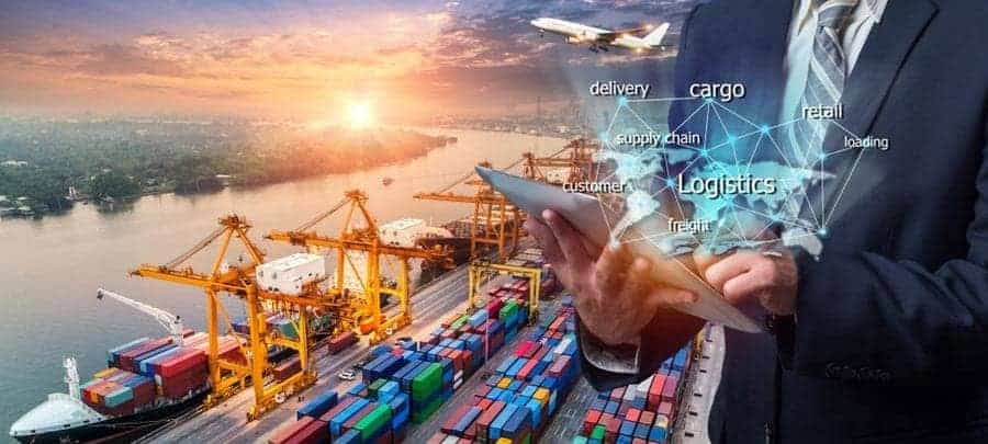 Digital supply chains are crucial for business success. Many companies try to implement them - and fail miserably. [shutterstock: 1221358780, Travel mania]