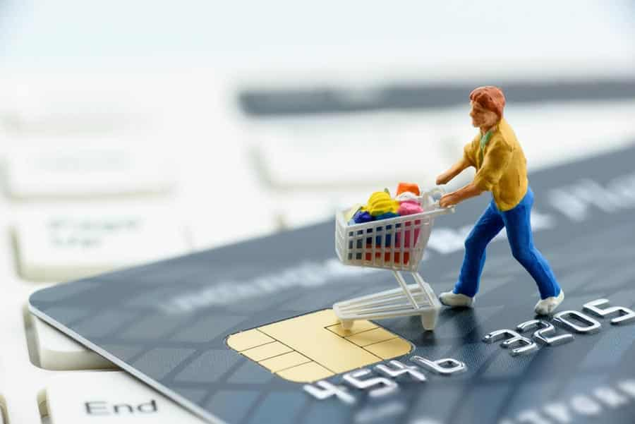 Retailers seeking to better understand and connect with their customers, suppliers and partners are uniquely positioned to take advantage of industry cloud solutions, study finds. [shutterstock: 633280544, William Potter]