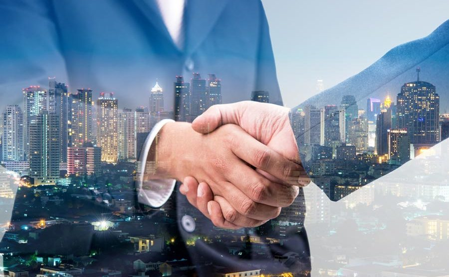 Vodafone and IBM are joining forces to help customers deliver innovation. [shutterstock: 306860177, totojang1977]