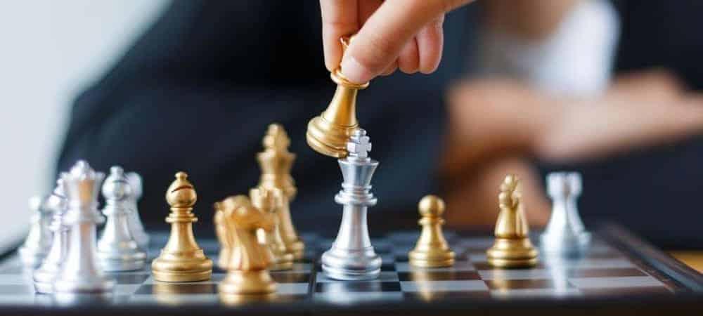 Intelligent Management Business Management [shutterstock: 708680140, Kaikoro]