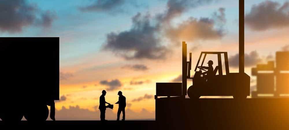 teamwork supply chain texen [shutterstock: 493966213, yuttana Contributor Studio]